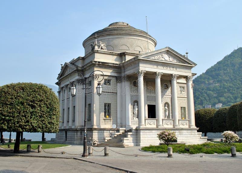 Como - памятник A. Вольты стоковая фотография rf