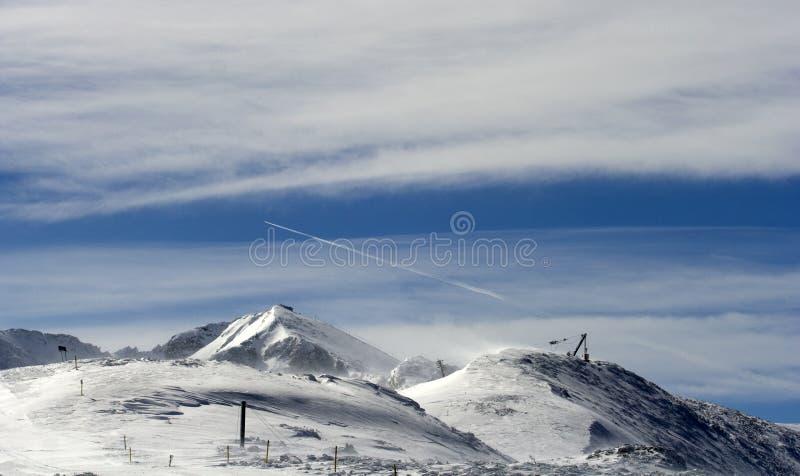 Como el canto a la elevación de esquí. foto de archivo