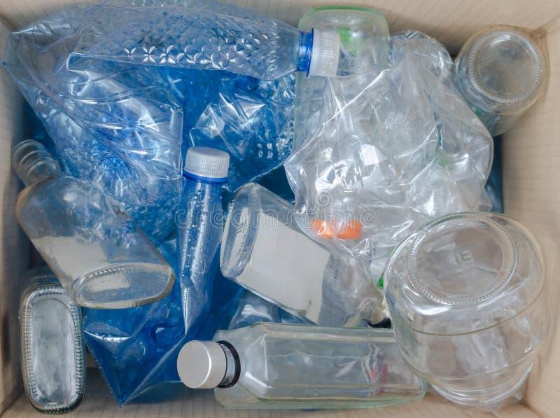 Como reciclar em casa pl?stico foto de stock royalty free