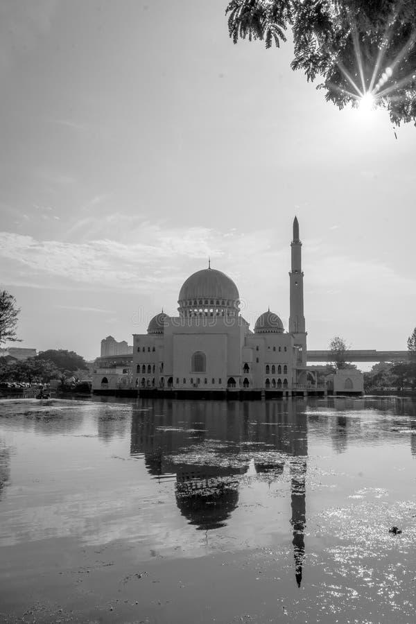 Como-Salam a mesquita em Puchong Perdana, Malásia fotografia de stock