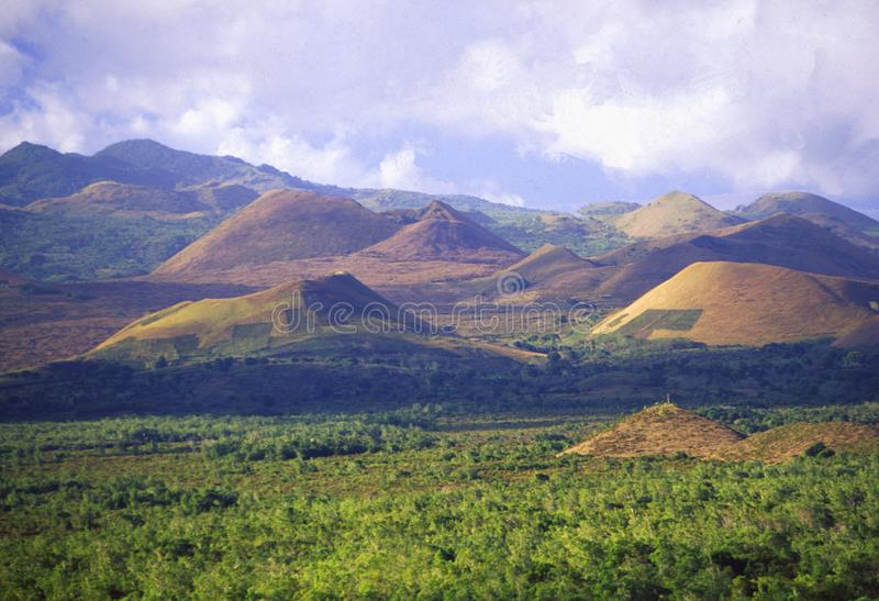 Comores: Paesaggio vulcanico sull'isola dell'Anjouan fotografia stock libera da diritti