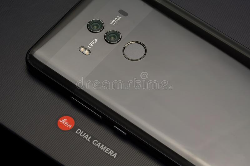 Compañero 10 favorable Smartphone de Huawei imágenes de archivo libres de regalías