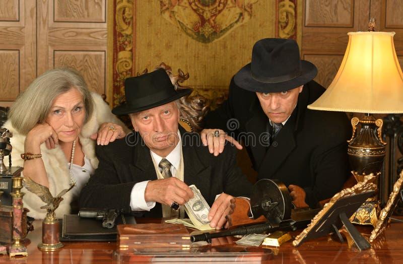 Companheiros dos gângsteres no estilo retro fotografia de stock royalty free