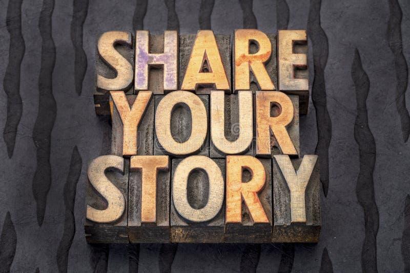 Comparta su historia en el tipo de madera foto de archivo libre de regalías