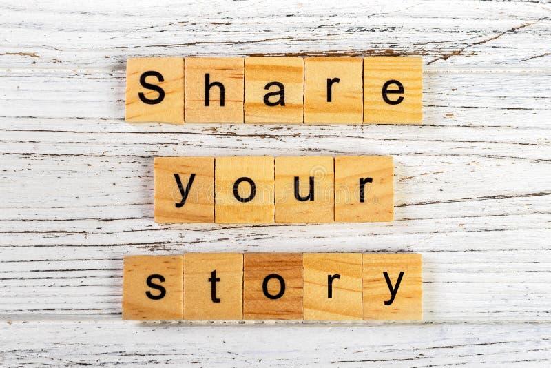 compartilhe de sua palavra da história feita com o conceito de madeira dos blocos imagens de stock royalty free