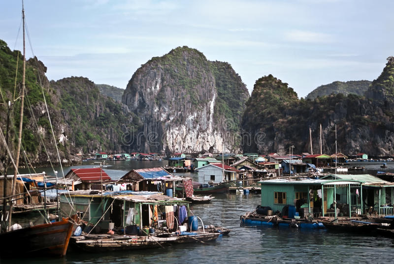 Compartiment de Halong, Vietnam photographie stock libre de droits