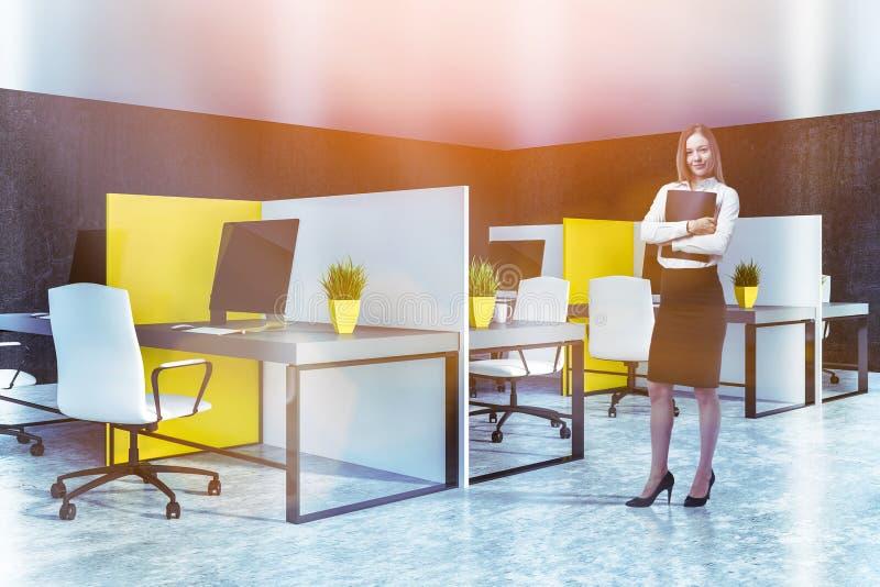 Compartimentos amarelos e brancos do escritório, mulher ilustração stock
