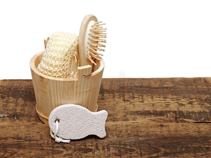 Compartimiento de madera con los accesorios del BALNEARIO foto de archivo