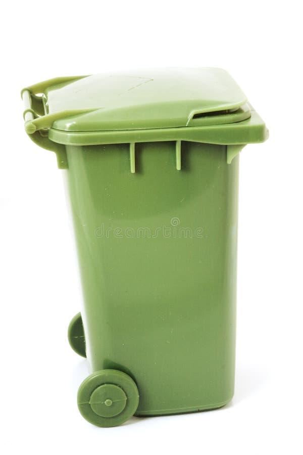 Compartimiento de reciclaje verde fotos de archivo