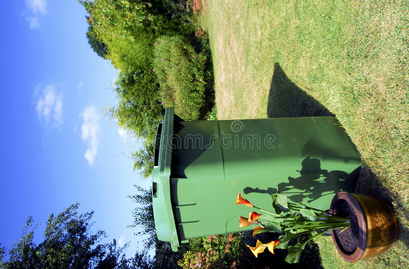 Compartimiento verde de Wheely fotos de archivo