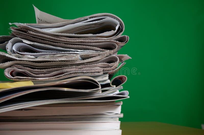 Compartimiento y periódico foto de archivo libre de regalías