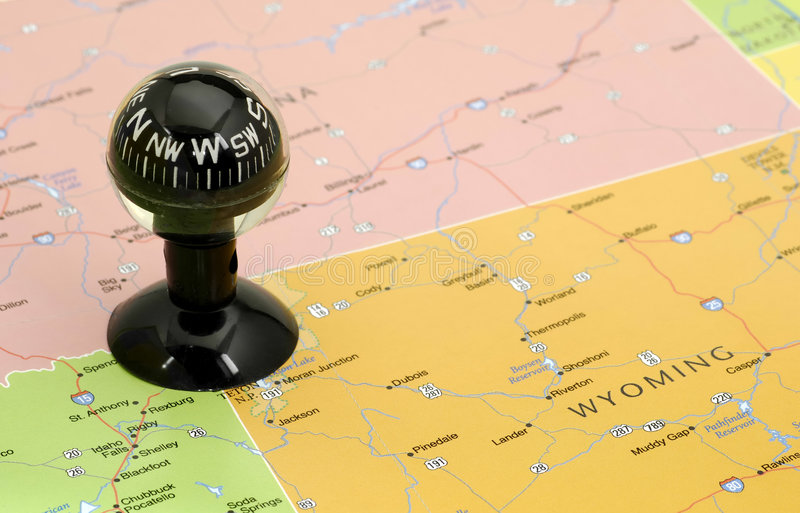 Download Compas photo stock. Image du explorez, compas, emplacement - 727724