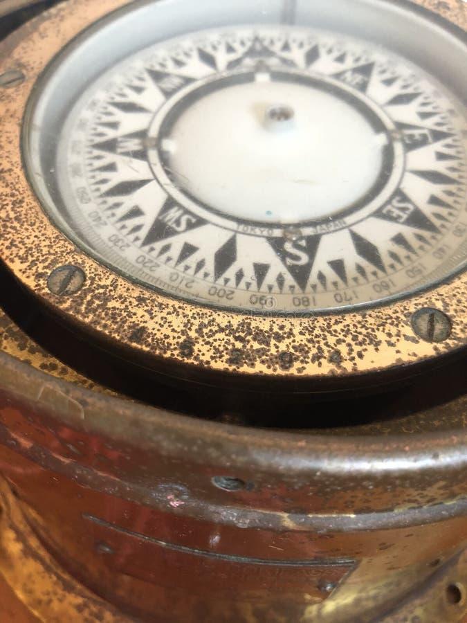 Compasso de bronze imagem de stock royalty free