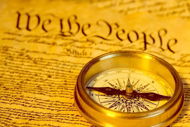 Compasso e constituição de Estados Unidos imagens de stock royalty free
