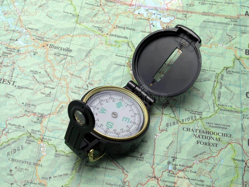 Compasso no mapa 2 do topo foto de stock royalty free