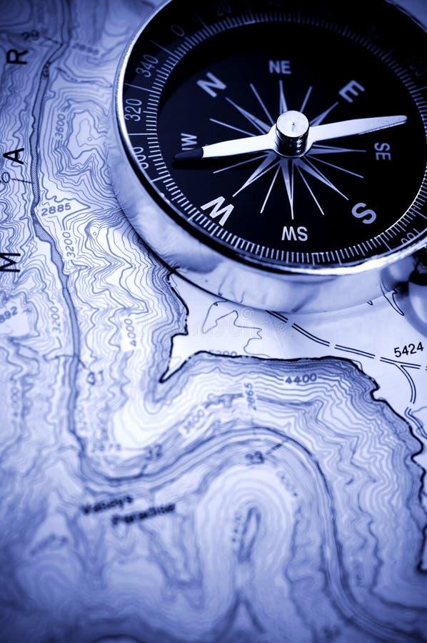 Compasso no mapa fotografia de stock