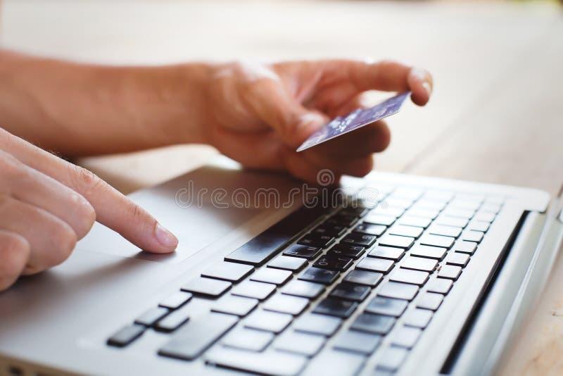 Compera online immagini stock libere da diritti
