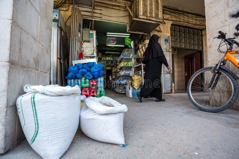 Comperando nell'autonomia palestinese fotografie stock libere da diritti