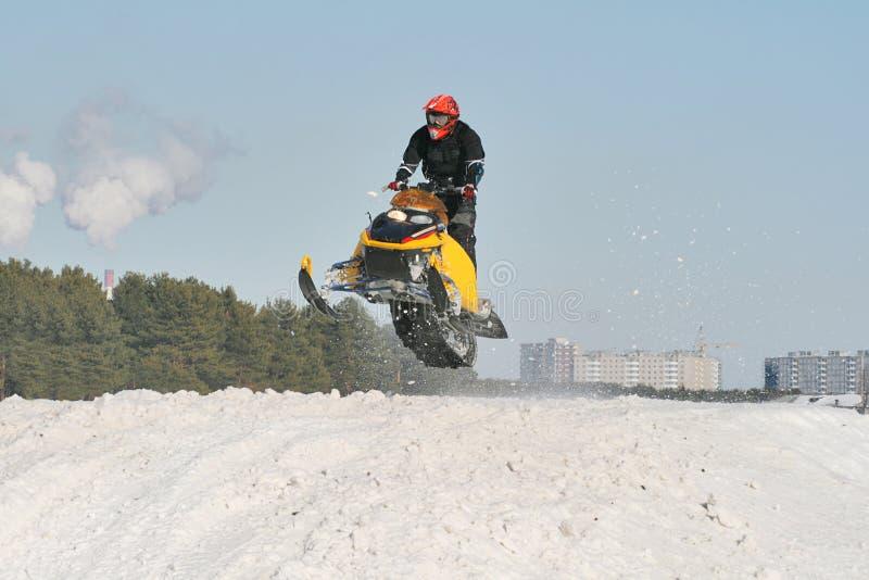 Competência do Snowmobile imagens de stock