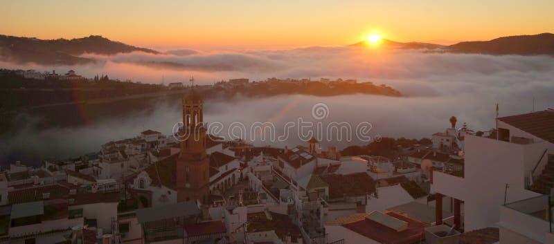 Competa, il villaggio andaluso nella provincia di Malaga fotografie stock