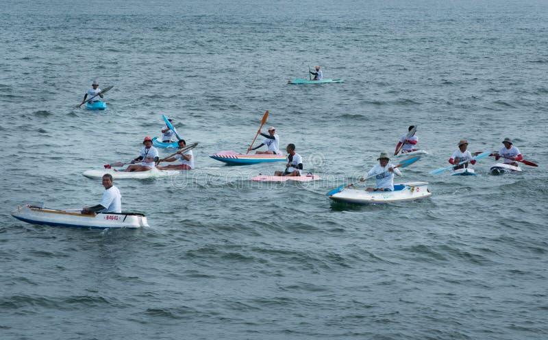 Competencia de la canoa en la playa de Lebih, Bali imagen de archivo libre de regalías
