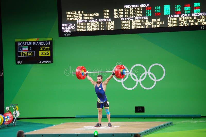 Competencia del levantamiento de pesas en las Olimpiadas Rio2016 foto de archivo libre de regalías