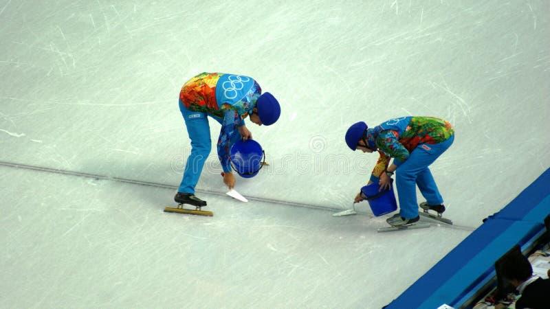 Competencia del patinaje de hielo en juegos de olimpiada de invierno en Sochi imagenes de archivo