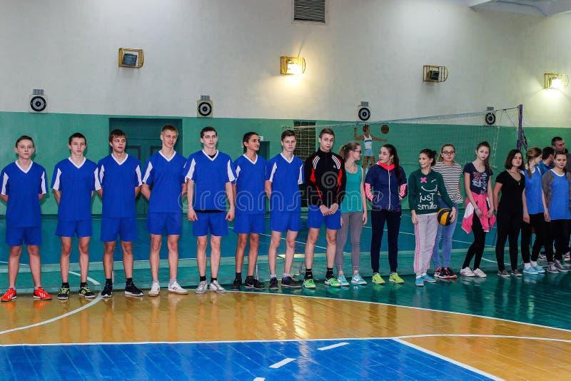 Competencia en la región de Gomel de Bielorrusia en voleibol bajo los auspicios de la iglesia ortodoxa foto de archivo