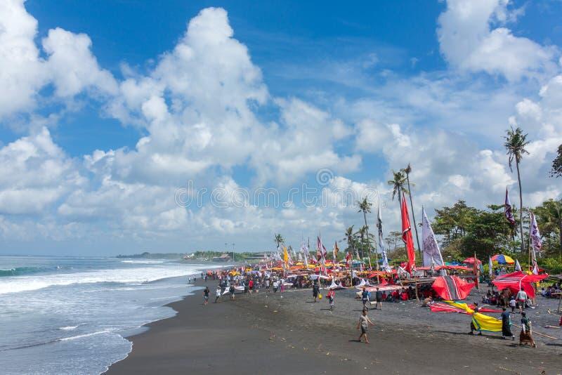 Competencia tradicional de la cometa en la playa en Bali, Indonesia de Sanur imagen de archivo