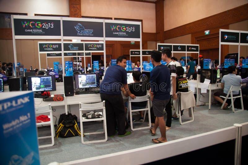 Competição do jogo de vídeo no concurso televisivo 2013 de Indo