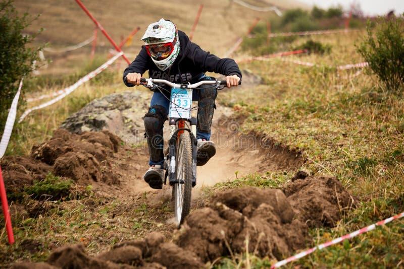 Competição extrema da bicicleta de montanha fotografia de stock