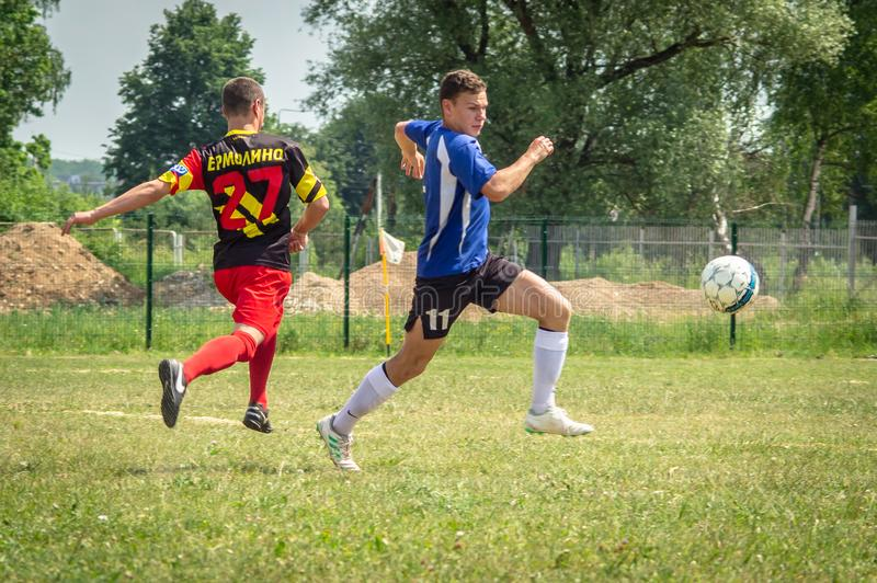 Competições amadoras do futebol na região de Kaluga de Rússia fotos de stock