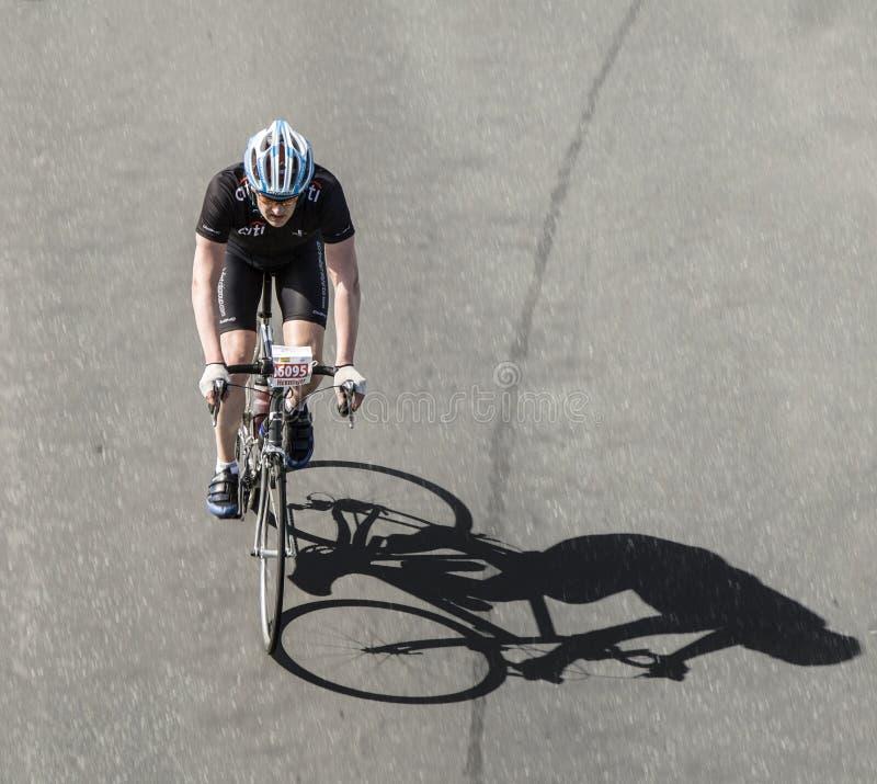 Download Competindo O Ciclista No Ciclo Famoso Compita O Antro Henninger Turm De Rund Um Imagem Editorial - Imagem de competir, possa: 80100285