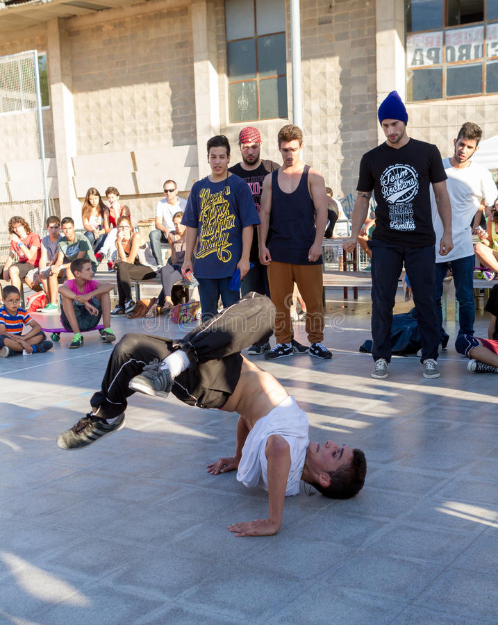Download Competition of breakdance editorial stock image. Image of hop - 33915819