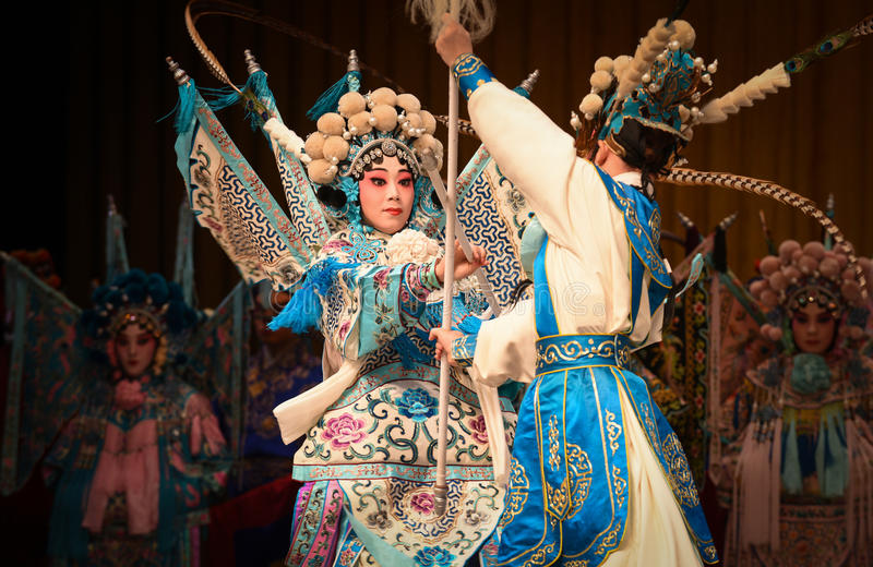 """Competition between mother and child- Beijing Opera"""" Women Generals of Yang Family"""". This opera tells a patriotic story how does an old woman of a stock photos"""