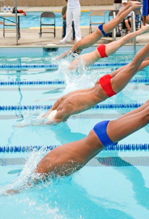 Competitve zwemt samenkomt stock foto's