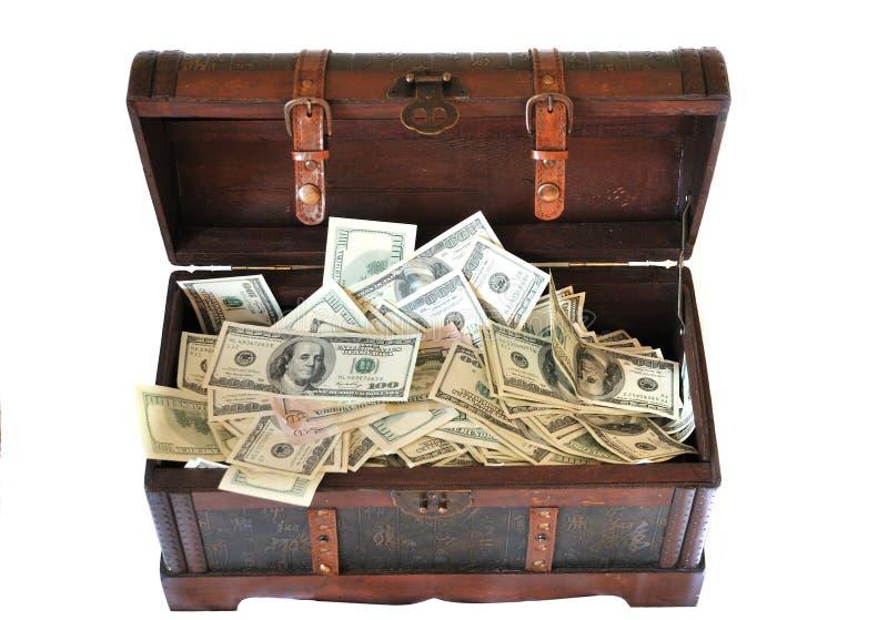 Complètement du coffre en bois d'argent photos stock