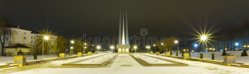 ` Complejo conmemorativo de las bayonetas del ` tres en Vitebsk foto de archivo libre de regalías