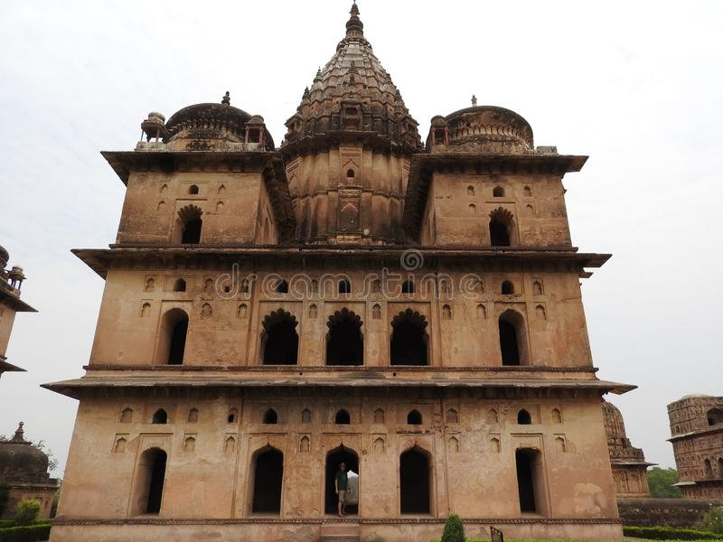 Complejo del templo del palacio en Orcha Madhya Pradesh La India fotografía de archivo libre de regalías