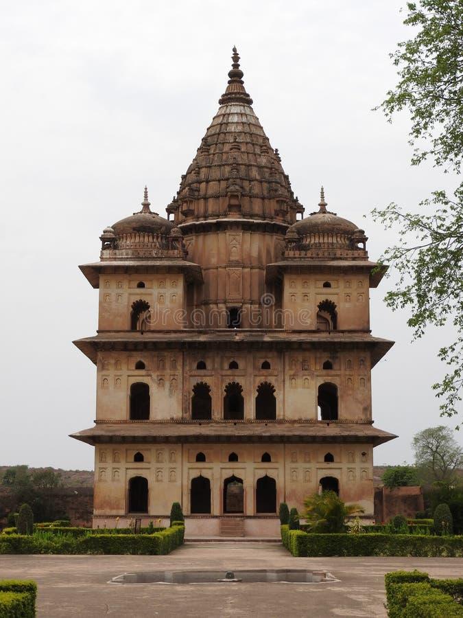 Complejo del templo del palacio en Orcha Madhya Pradesh La India imágenes de archivo libres de regalías