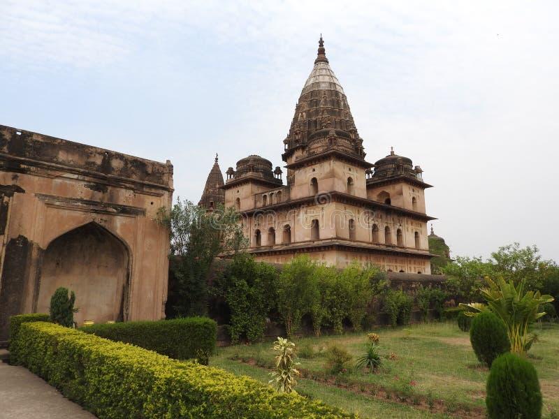 Complejo del templo del palacio en Orcha Madhya Pradesh La India imagen de archivo libre de regalías