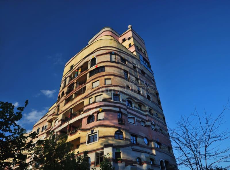 Complejo residencial de Waldspirale imagenes de archivo