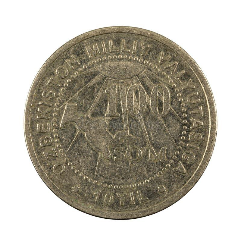 100 complemento della moneta 2004 del som dell'Uzbeco isolato su fondo bianco immagini stock