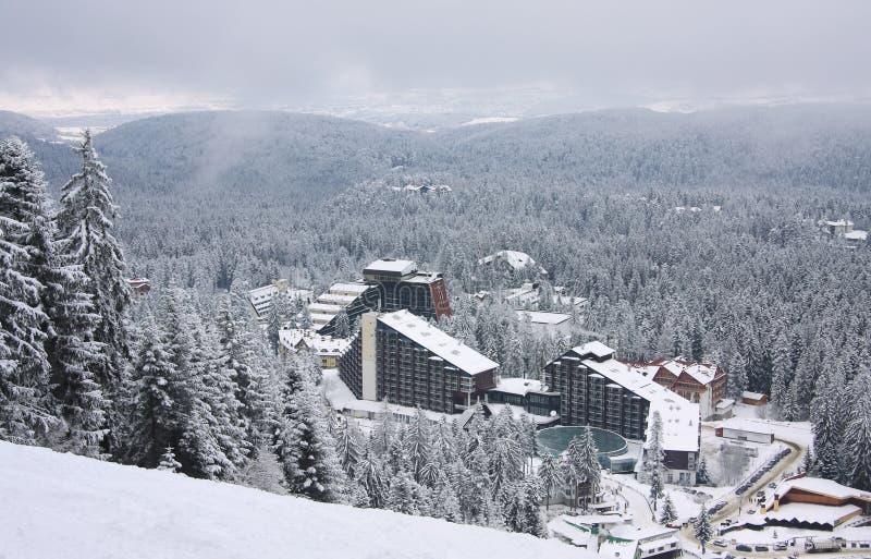 Complesso dell'hotel sulla stazione sciistica Borovets, Bulgaria fotografia stock