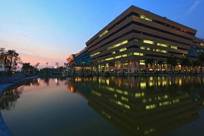 Complesso di governo a Bangkok fotografie stock