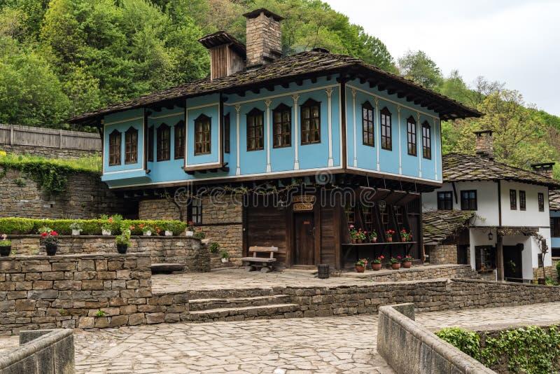 Complesso etnografico architettonico ?Etar ?, quello primo di questo tipo dentro bulgaria fotografia stock libera da diritti