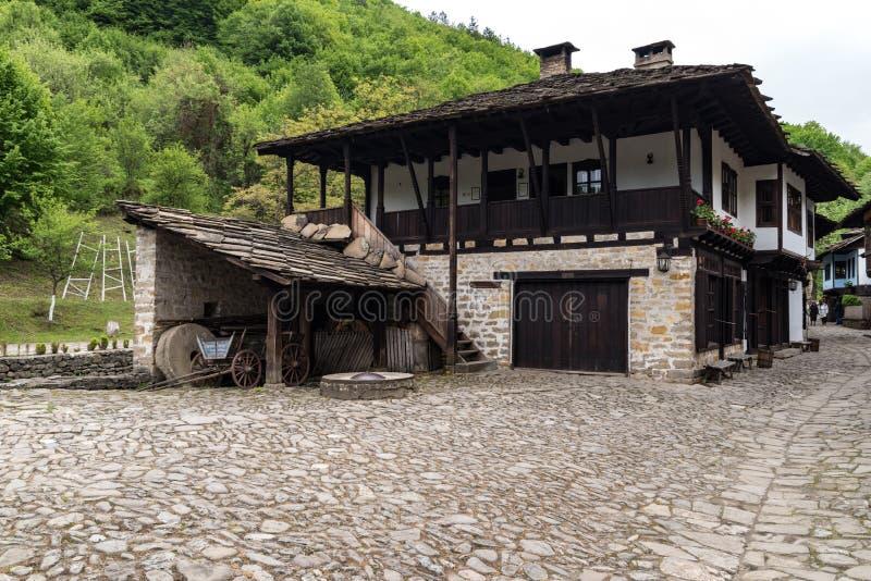 Complesso etnografico architettonico ?Etar ?, quello primo di questo tipo dentro bulgaria immagine stock libera da diritti