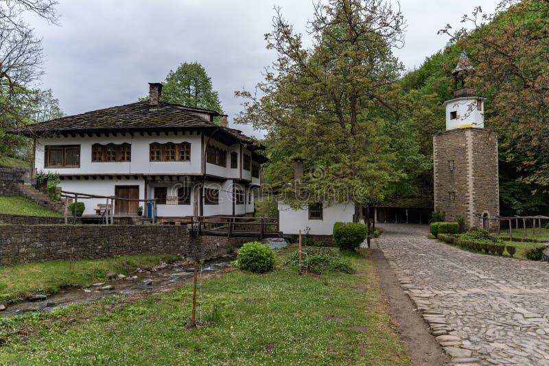 Complesso etnografico architettonico ?Etar ?, quello primo di questo tipo dentro bulgaria fotografia stock