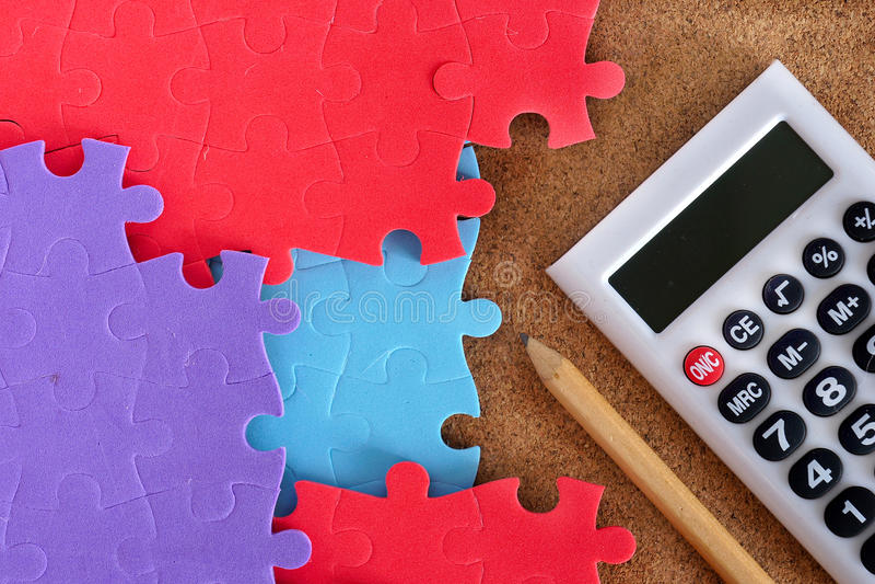 Completamento del puzzle mancante immagini stock