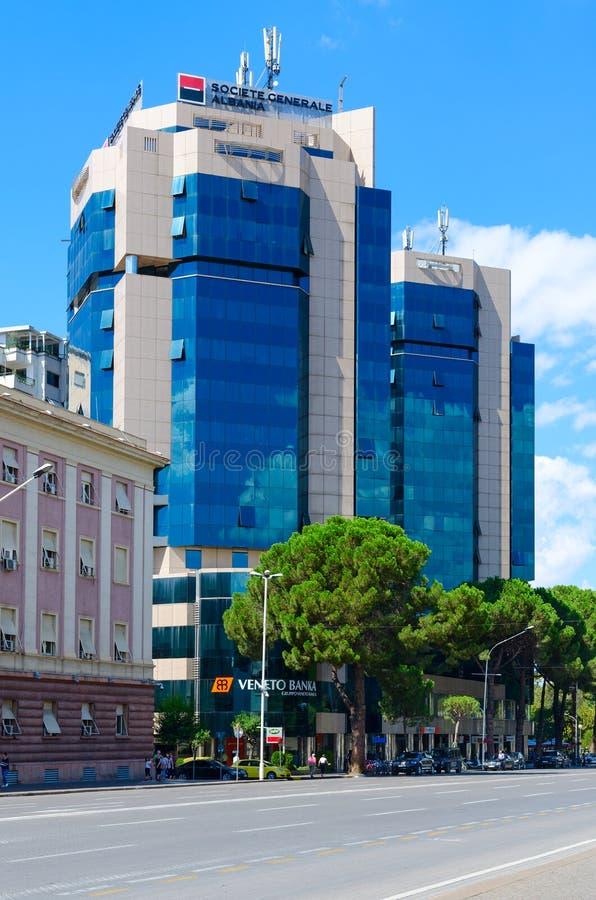 Complexe de jumeau Tovers de Tirana de bâtiments sur le boulevard des martyres, Tirana, Albanie photo libre de droits